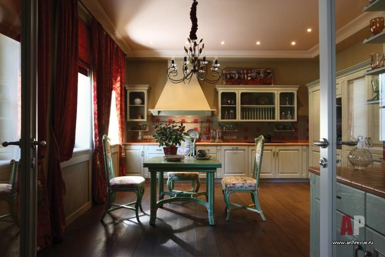 дизайны гостиных совмещенных с кухней в загородном доме фото #4