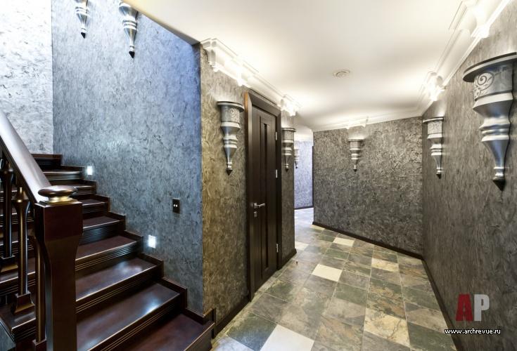 Фото интерьера коридора дома в стиле