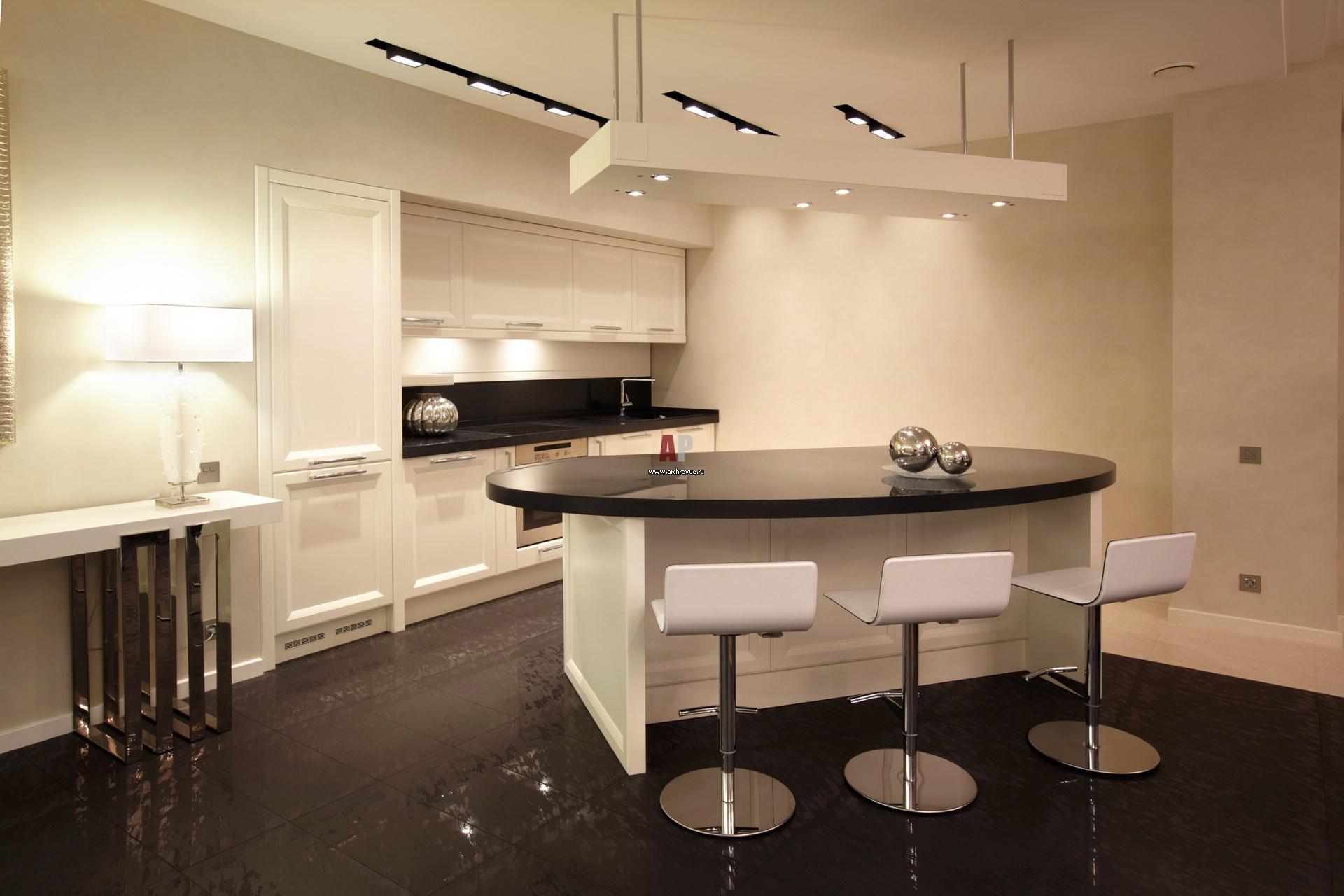 Кухонный гарнитур черно белого цвета фото