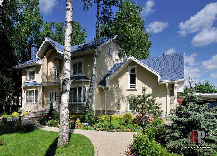 Фото фасада загородного дома в стиле кантри.
