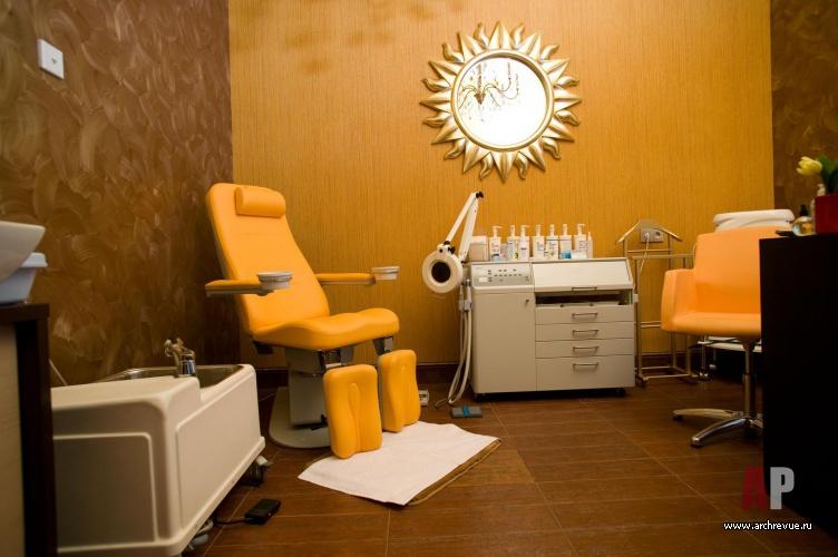 Фото интерьера, салон красоты площадью 92 кв.м. в стиле Лофт ... | 500x752