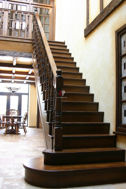 Изготовление деревянных лестниц на заказ.