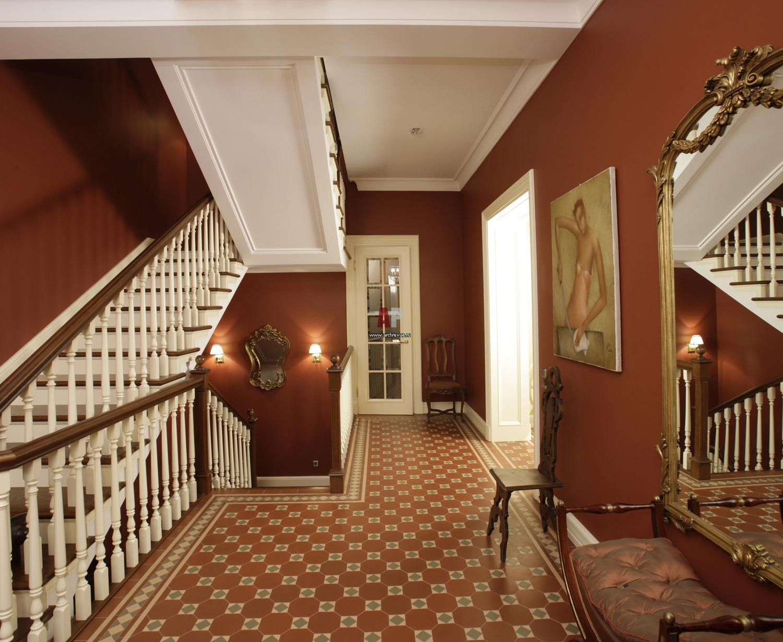 фото дизайн холла дома на втором этаже повелось
