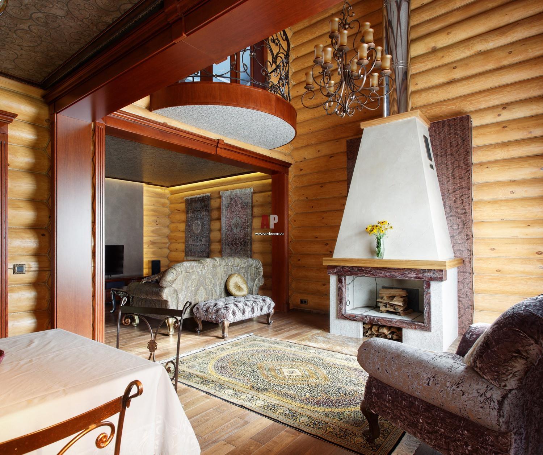 камин в деревянном доме фото яркой броской является