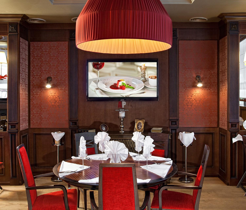 красный цвет зала ресторана фото помощью