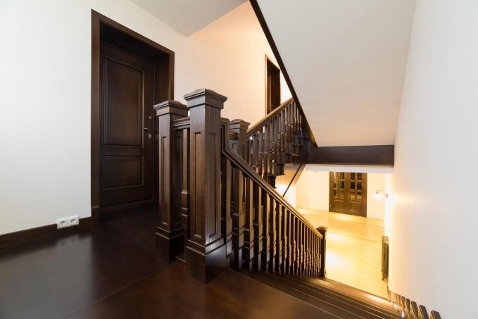 Дизайн лестницы дверей и экранов для