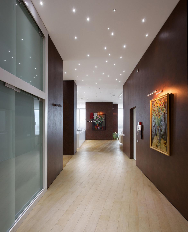 Потолок в длинном коридоре фото