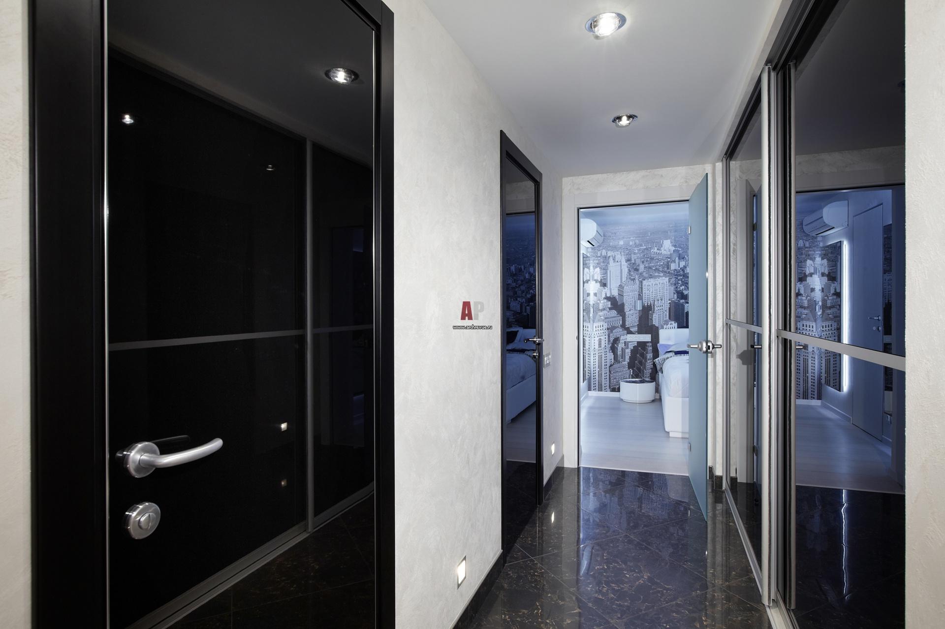 Фото интерьера коридора небольшой квартиры в современном сти.