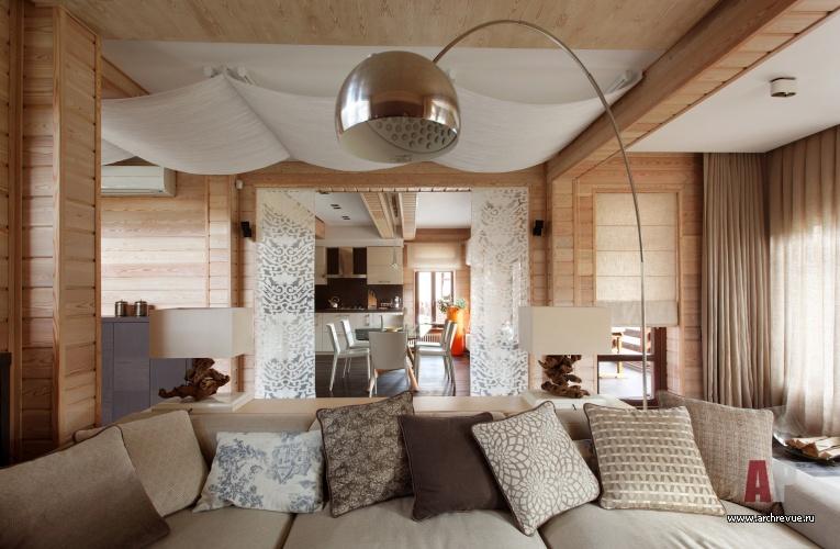 Небольшого деревянного дома