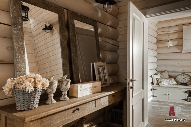 Интерьер белого цвета в деревянном доме