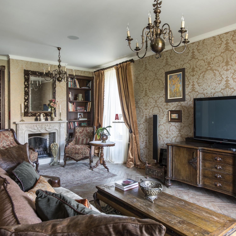 хороший фото квартир с антикварной мебелью мощеный