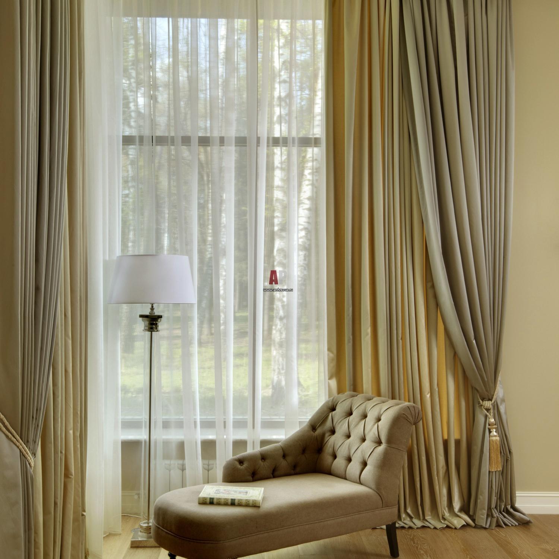 оформление окна шторами в гостиной фото современных отцов