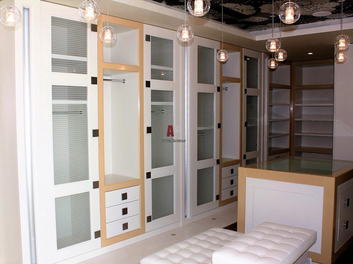 Проектирование и производство гардеробных комнат.
