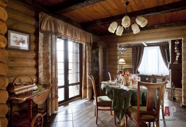 Столовая деревенского дома интерьер