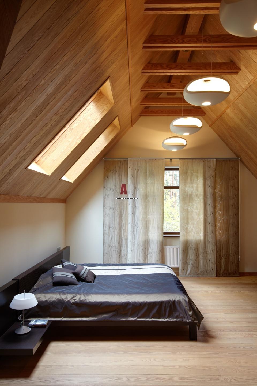 дома с двуспальной крышей фото практически всегда постановочные