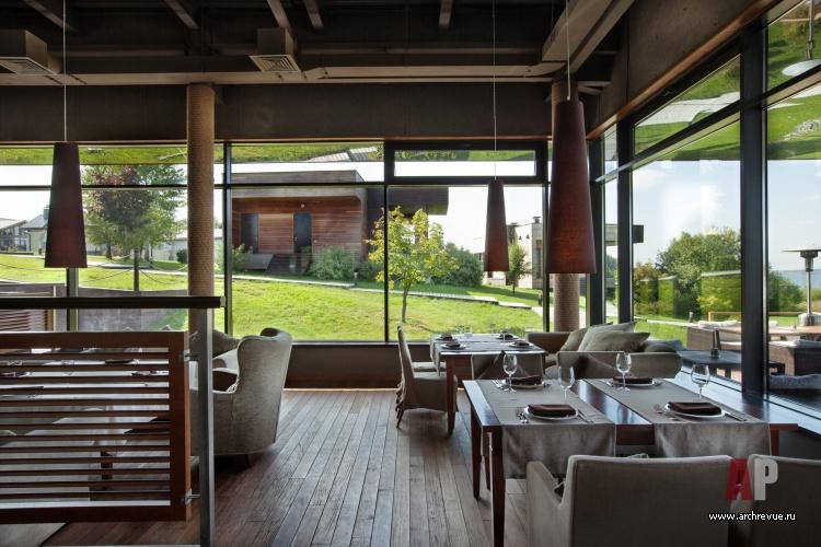 Интерьер из дерева для ресторан