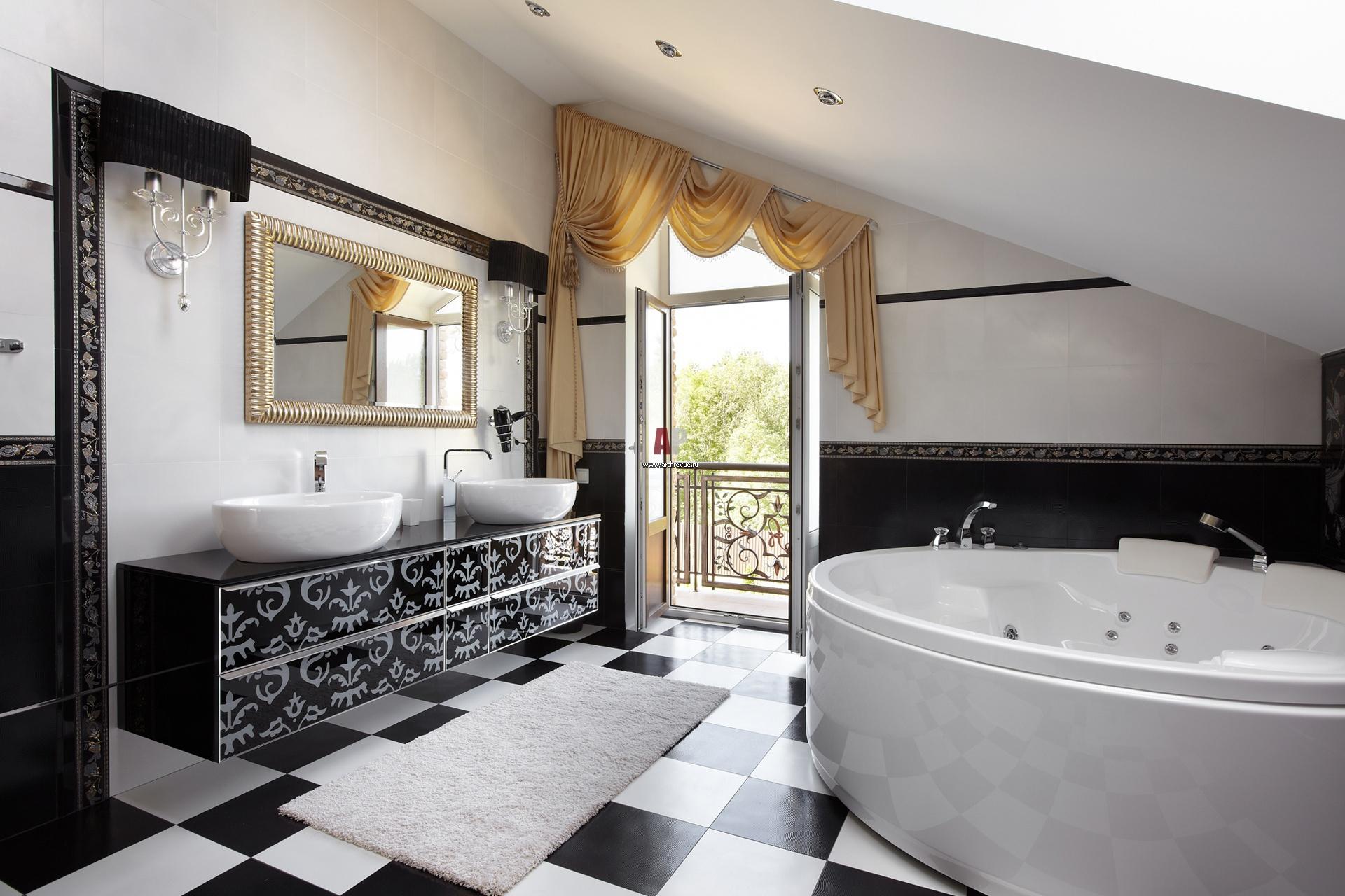 Ванная с балконом.