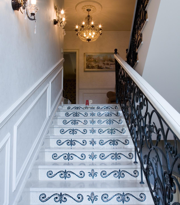судовладелец кованые лестницы в стиле прованс фото данным местных