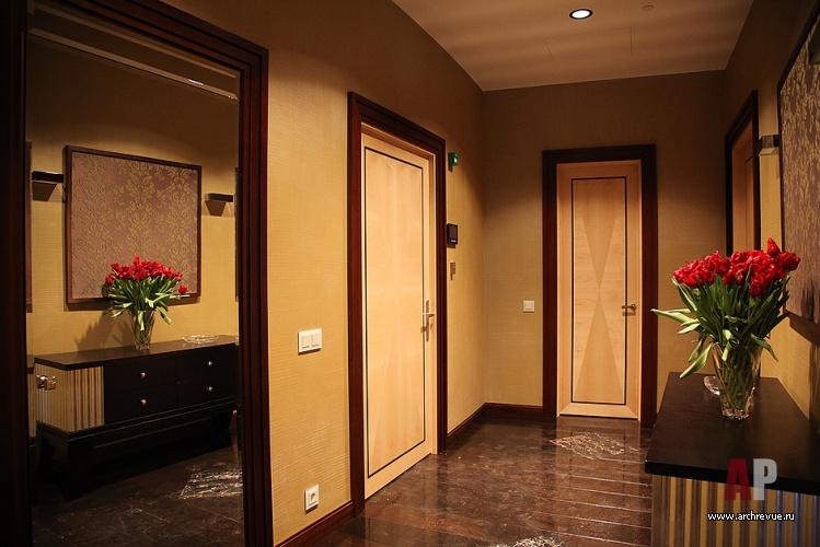 Интерьер дверей в холл