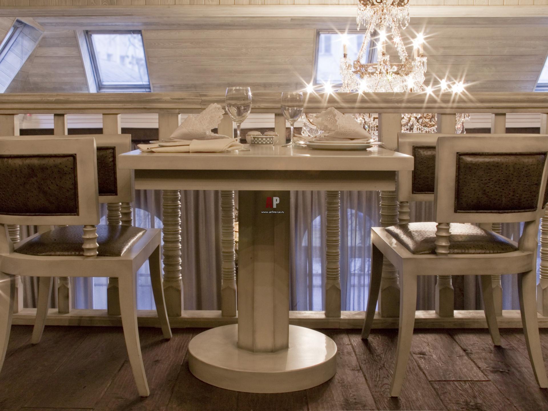 """""""В ресторанной мебели есть главное - износостойкость """" ."""