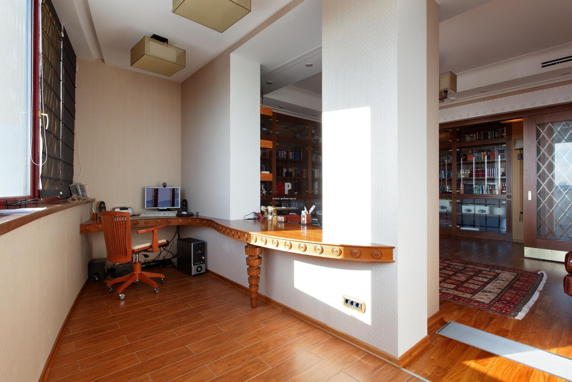 Использование подоконника в совмещенной кухней с балконом..