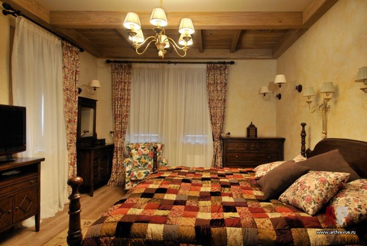 Интерьера спальни дома в стиле кантри