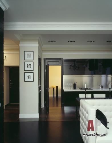 Интерьер квартиры в черно белых тонах