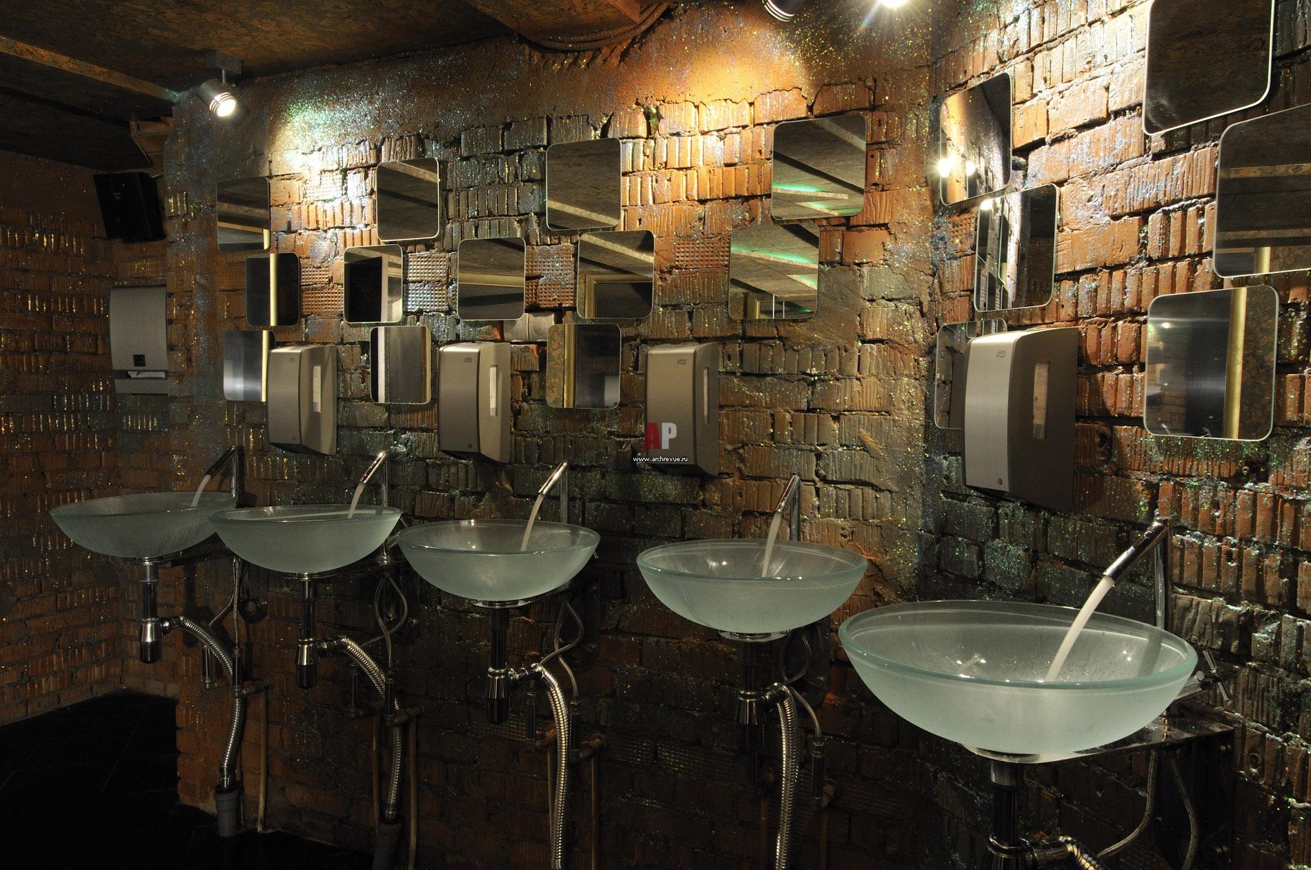 tualeti-v-nochnih-klubah