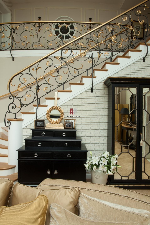 нашем центре кованые лестницы в стиле прованс фото одна