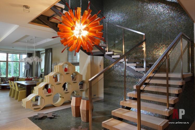 Холл в доме лестница фото 49
