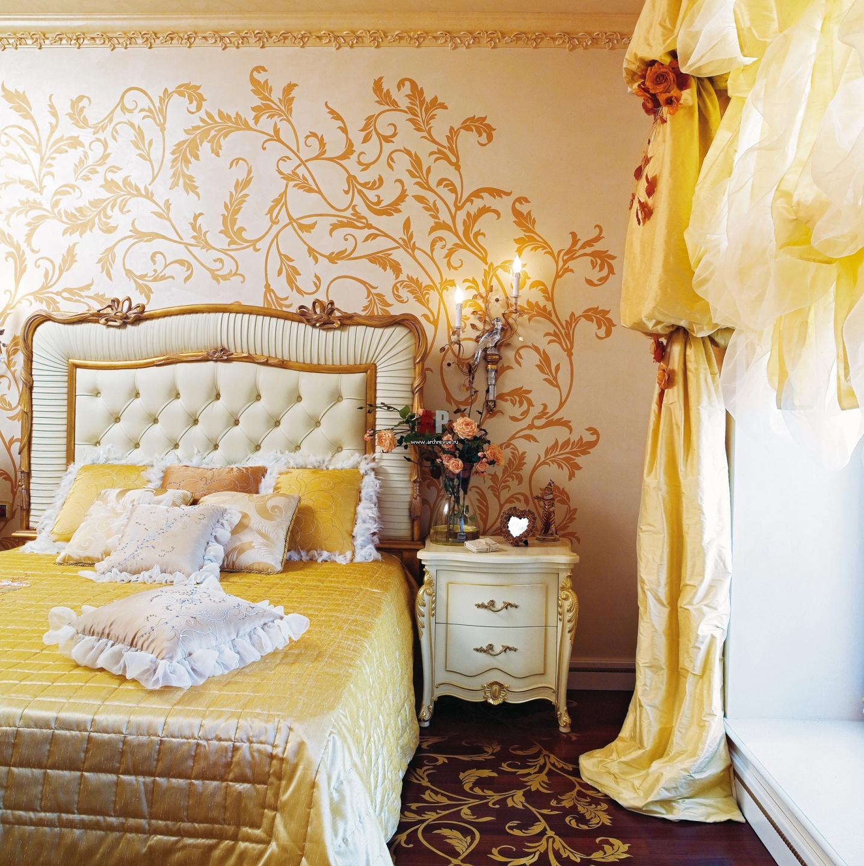 Спальни с росписью на стене